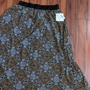 LulaRoe Lucy* Discontinued style